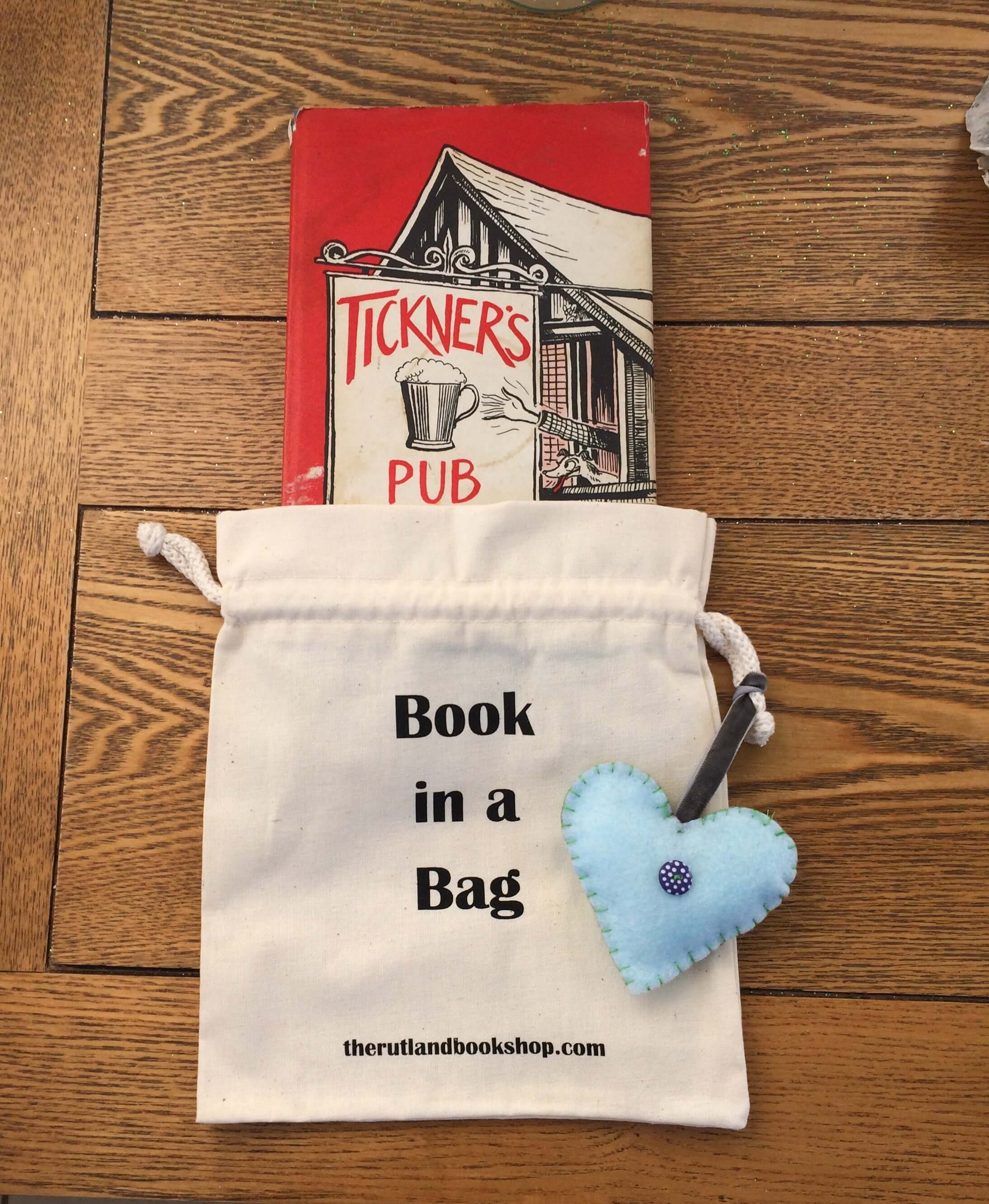 Tickner's Pub (Book In A Bag)