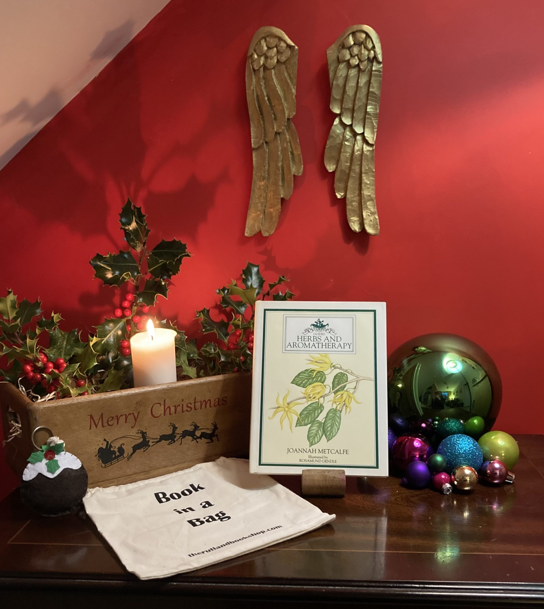 Christmas Book In A Bag: Herbs And Aromatherapy