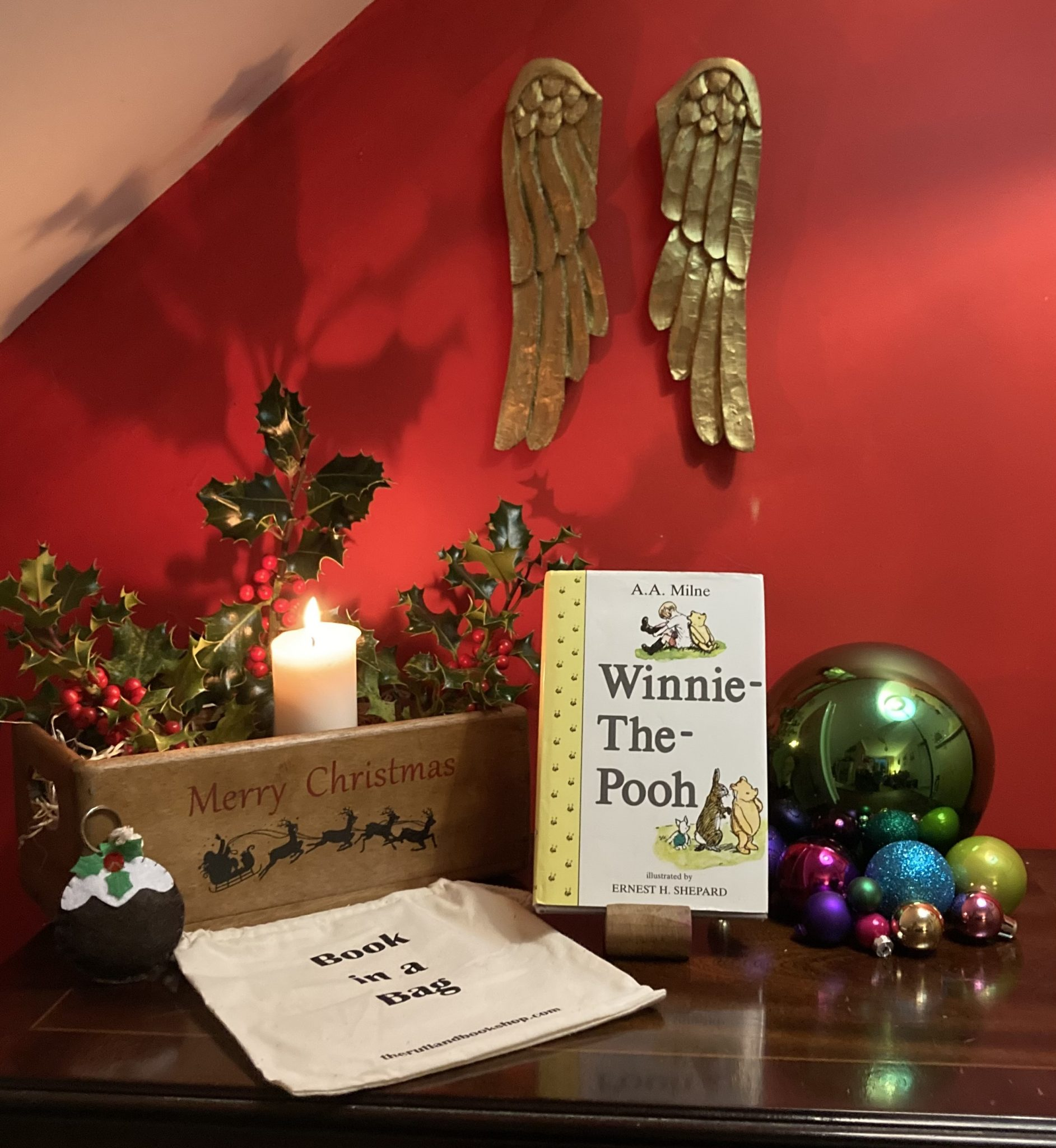 Christmas Book In A Bag: Winnie The Pooh
